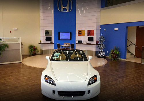 Honda of Olathe interior dealership photo