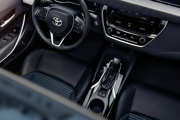2020 Toyota Corolla Interior & Technology Features