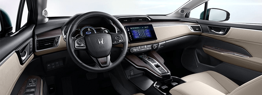 2018 Honda Clarity Plug-In Hybrid : From eco-conscious materials like the ultra-suede dash to room for five adults, compromise nothing with the interior of the Clarity Plug-in Hybrid.