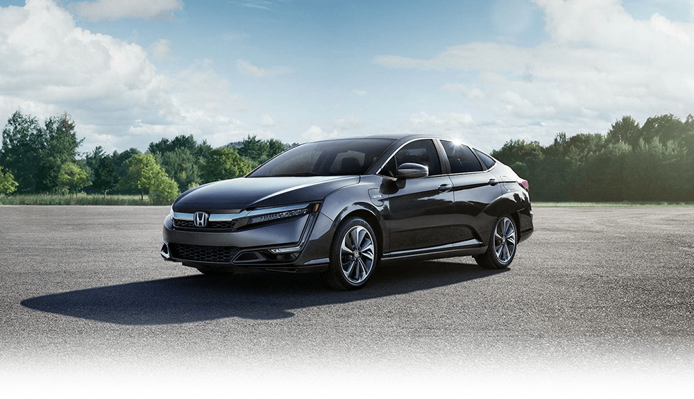 2018 Honda Clarity Plug-In Hybrid : An aerodynamic body, LED Daytime Running Lights and distinct design lines make an impression wherever you go.