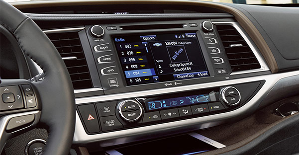 2018 Toyota Highlander Interior & Technology Features