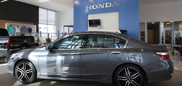 Legends Honda interior dealership image