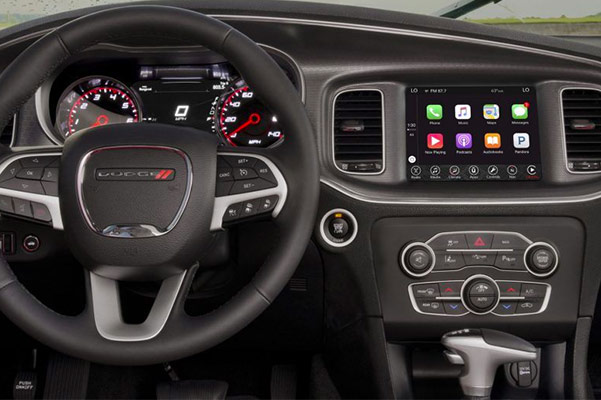 2018 Dodge Charger Interior & Technology