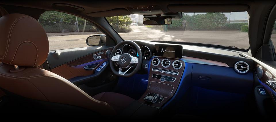 2019 Mercedes-Benz C 300 interior & technology